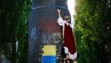 """""""Голый король"""" на улицах Киева – Белорусский свободный театр снялся в клипе """"Бумбокса"""""""