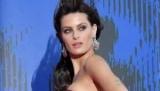 Конфуз на красной дорожке: топ-модель бразилии из-за ветра поднялся платье