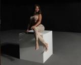 Ани Лорак удивила поклонников размером груди